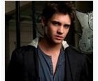 点击观看《吸血鬼日记第一季 10》