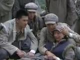 点击观看《战争不相信眼泪 24》