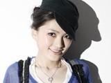 点击观看《《中国好声音解密加长版》20121029:嫩颜美女丁丁惹评委对掐 76岁上海老爷爷为妻高歌》
