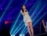 点击观看《《中国好声音》20120928:小魔女吴莫愁惊险晋级 张玮不敌梁博遭淘汰》
