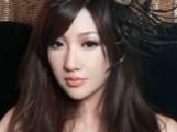 刘谦携富三代女友同回公寓 新任美艳照流出