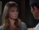 点击观看《007之女王密使 高清完整版》